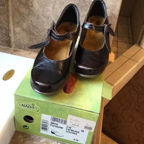 Naot Shoes   Pleasure   Poshmark